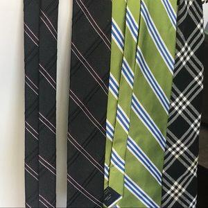 Set of three ties
